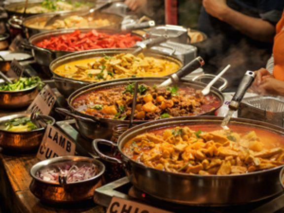 Große Vielfalt: Indisches Street Food © Alex Hubenov - Fotolia.com