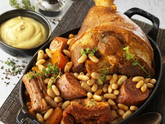 Französischer Cassoulet mit Schweinehaxe