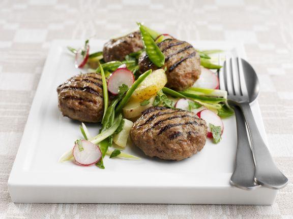 Frikadellen mit Zuckerschoten-Kartoffelsalat