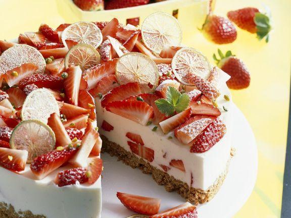 Frische Erdbeertorte mit Amarettini