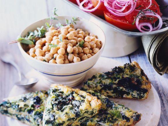 Frittata mit Spinat, Kichererbsen und Salat