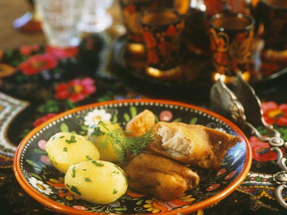 Frittierter Fisch mit Kartoffeln