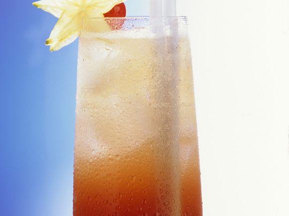 Frucht-Cocktail mit Champagner