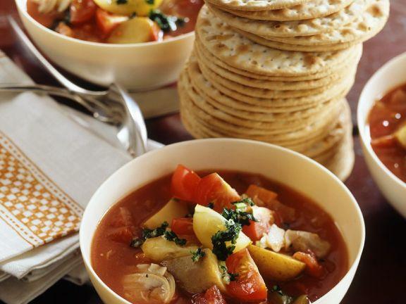 Fruchtige Gemüsesuppe mit Mais und Kartoffeln