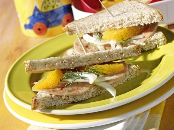 Fruchtige Sandwich-Ecken