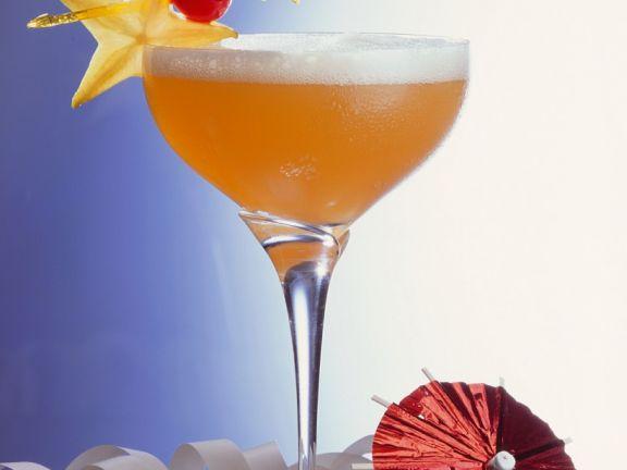 Fruchtiger Champagner-Cocktail