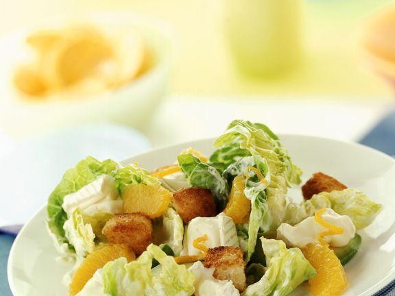 Fruchtiger Kopfsalat mit Käse