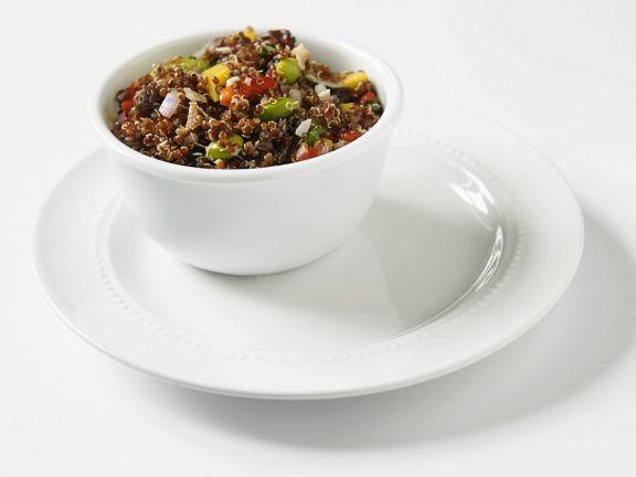 Fruchtiger Quinoa-Sojasalat