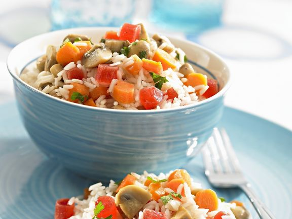 Fruchtiger Reissalat mit Champignons