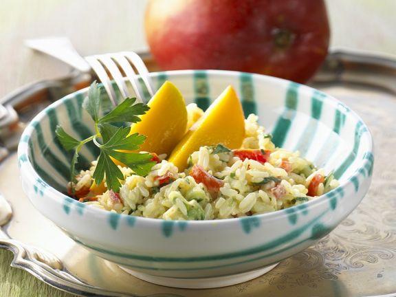 Fruchtiger Reissalat mit Joghurtsauce