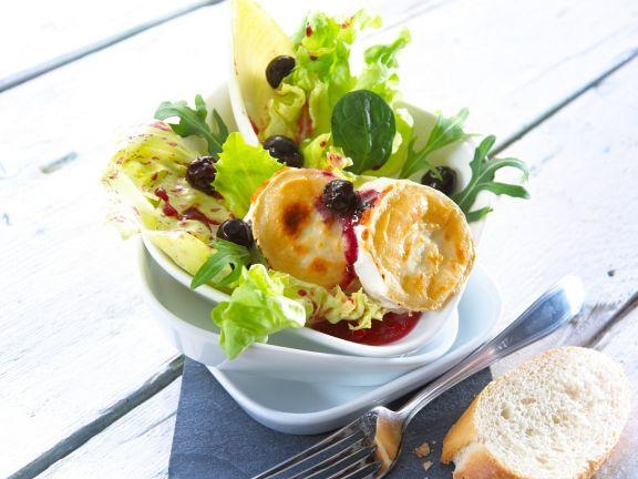 Fruchtiger Salat mit Ziegenkäse
