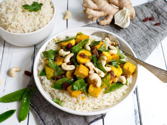 Fruchtiges Thai-Curry mit Tofu und Reis