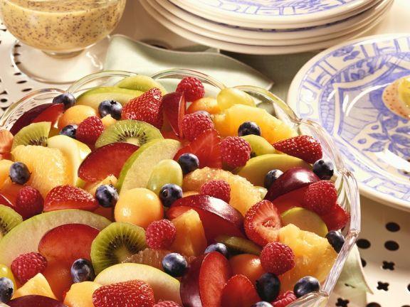Fruchtsalat mit Vanillesauce