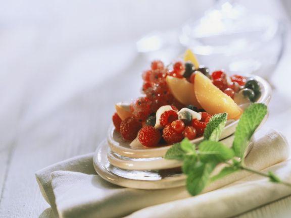 Früchte mit Joghurtsauce