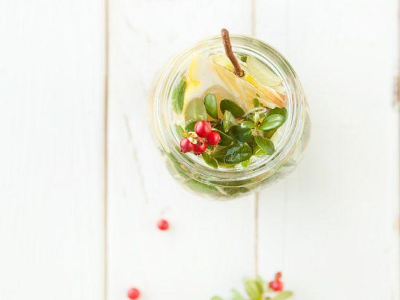 Früchte-Tee mit Honig