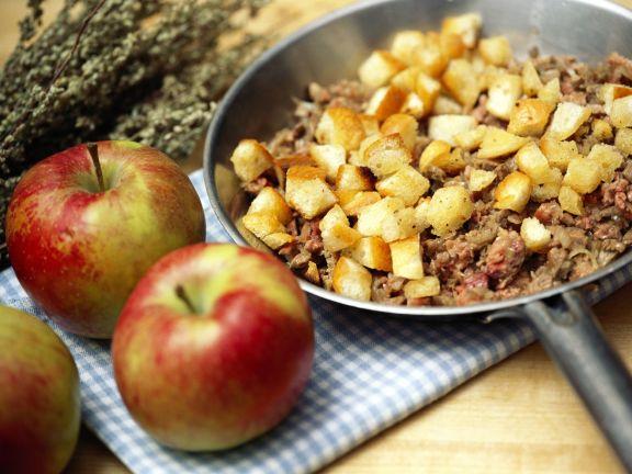 Gänsebratenfüllung aus Apfel und Leber