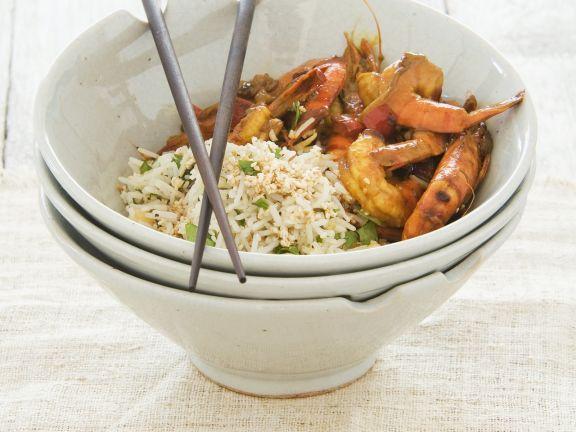 Garnelen in süß-saurer Marinade mit nussigem Reis