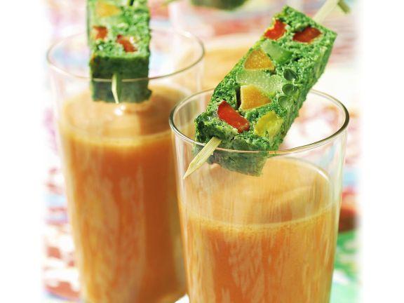 Gazpacho mit aufgespießter Gemüseterrine