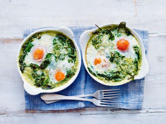 Gebackene Eier mit Spinat