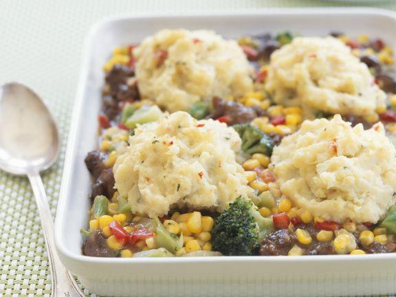 Gebackene Fleisch-Gemüsemischung mit Kartoffelpüree