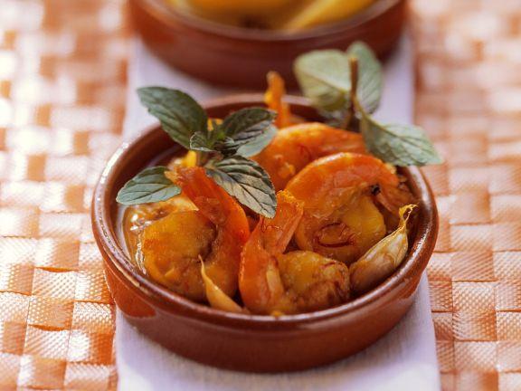 Gebackene Garnelen mit Tomatensauce