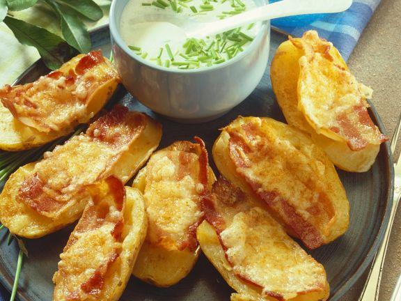 Gebackene Kartoffeln mit Speck und Käse