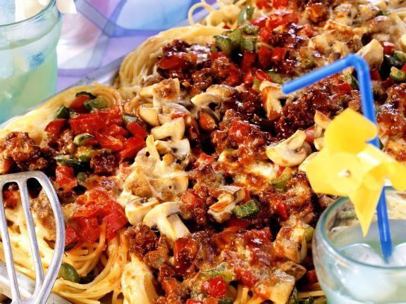 Gebackene Spaghetti mit Hackfleisch und Pilzen