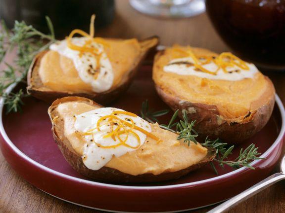 Gebackene Süßkartoffeln mit Schmand