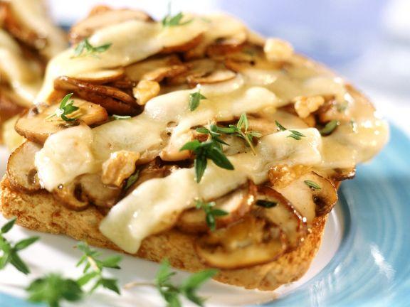 Gebackener Champignon-Toast