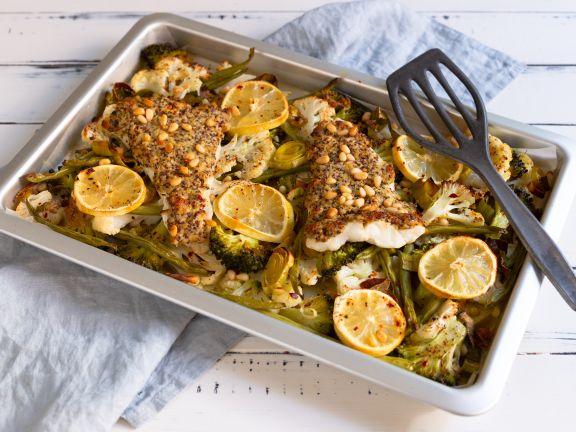 Gebackener Kabeljau aus dem Ofen mit Gemüse