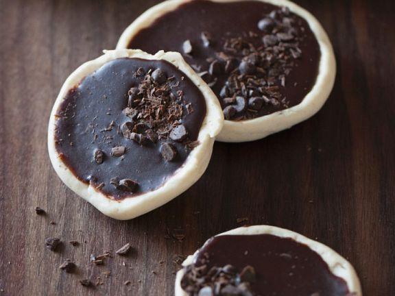 Gebäck mit Schokoladenüberzug