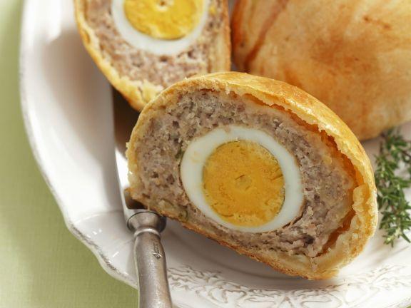 Gebäck mit Scotch Eggs