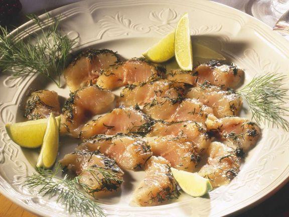 Gebeizter Fisch mit Sauce