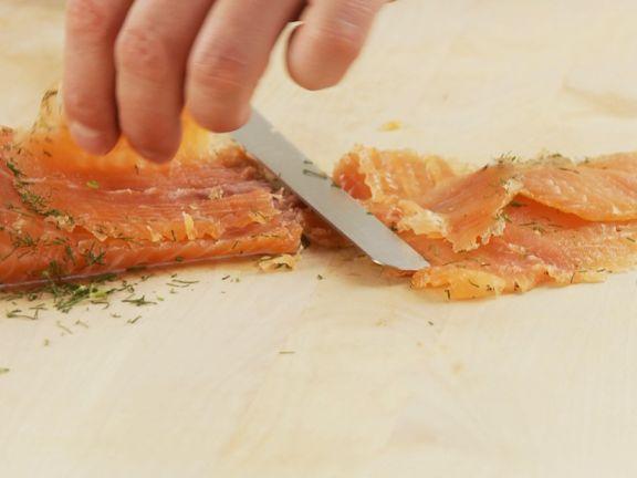 Lachs selbst beizen Rezept | EAT SMARTER