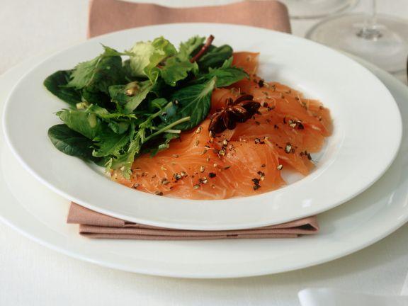Gebeizter Lachs mit grünem Salat