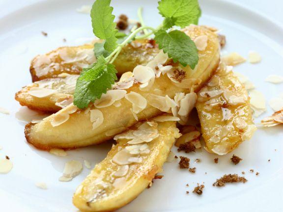 Gebratene Bananen mit Mandeln