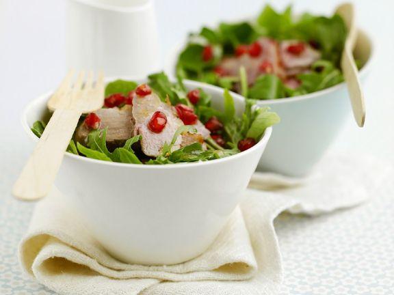 Gebratene Entenbrust mit Granatapfel und Salat