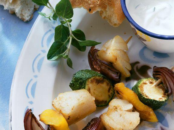 Gebratene Kabeljau-Gemüsespieße