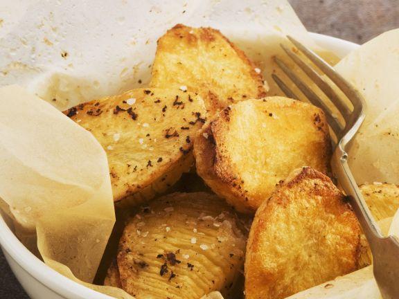 Gebratene Kartoffeln mit Salz