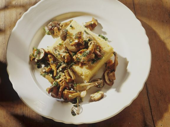 Gebratene Pilze mit Polenta
