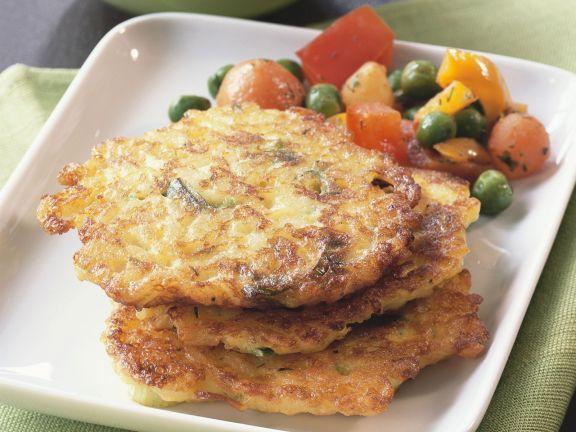 Gebratene Reisküchlein mit Gemüse