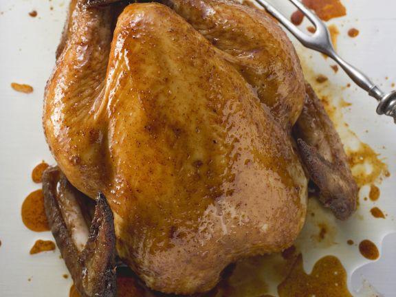 Gebratenes Hähnchen mit Kräutern