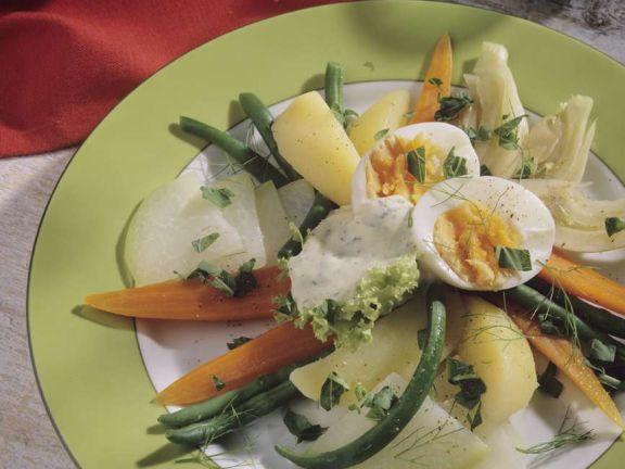 Gedämpftes Gemüse und Ei