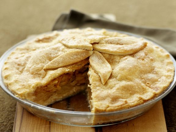 Gedeckter Apfelkuchen mit leichter Füllung