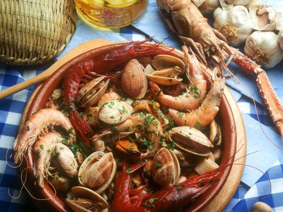 Gedünstete Meeresfrüchte mit Kräutern