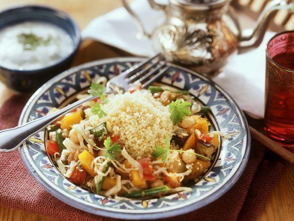 Gedünstetes Gemüse mit Couscous