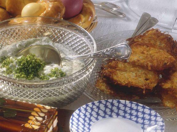 Geflügelsülze mit Kartoffelrösti und Creme