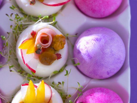 Gefüllte Eier mit Pilzen, Paprika, Schinken und Kresse