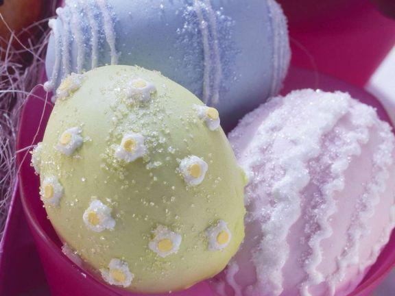 Gefüllte Hefeteig-Eier