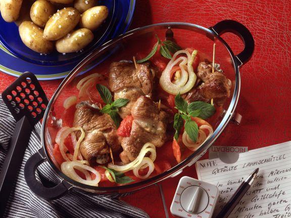Gefüllte Lammschnitzel mit Ofenkartoffeln